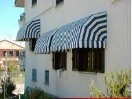 折叠遮阳篷